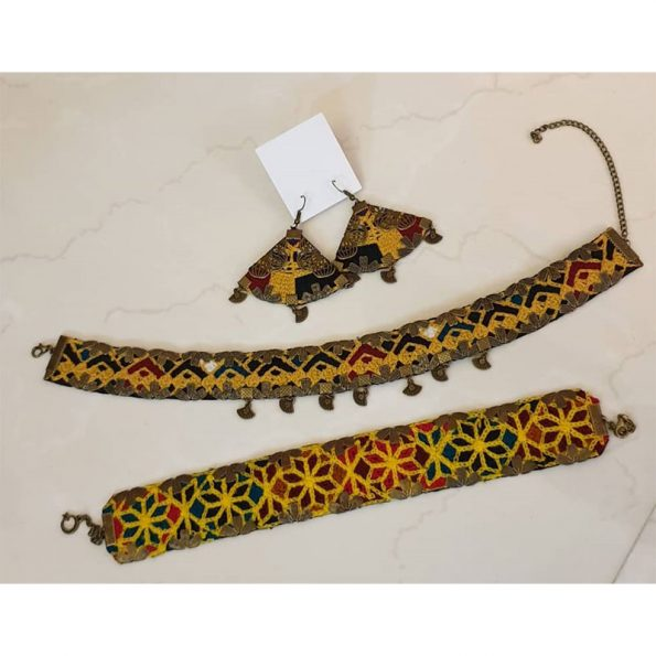 handmade Sewing indian necklaces